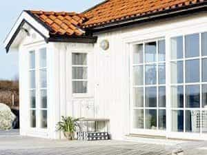 Aluminium-Timber-Composite-Window-System