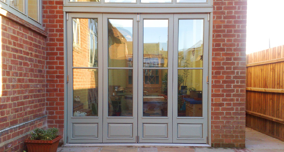 Multi-Fold Doors © Everitt & Jones