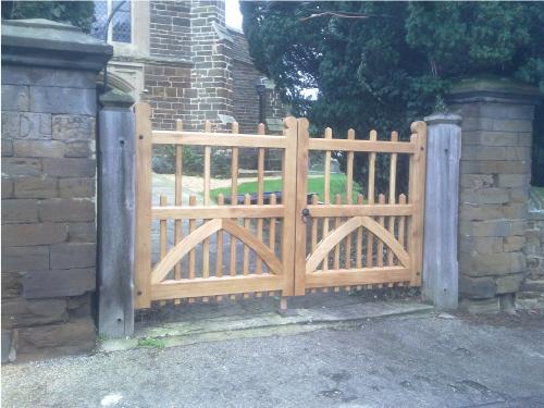 Oak Church Gates